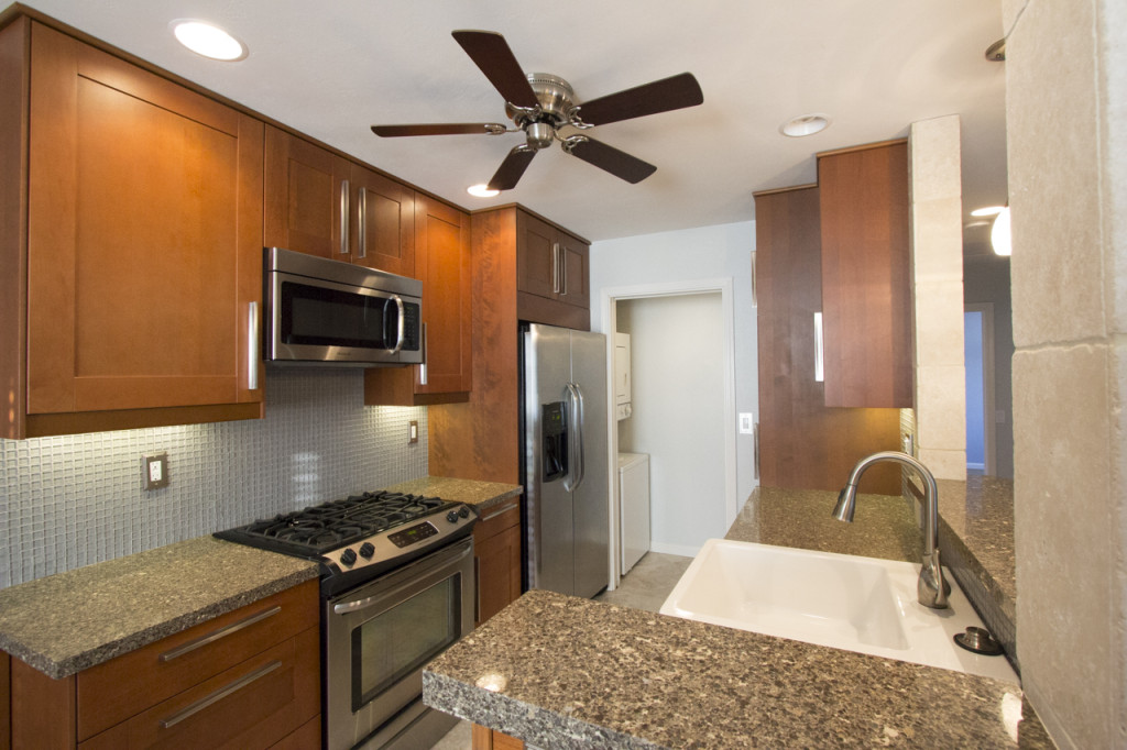 9449 Fairgrove #203 Full Kitchen