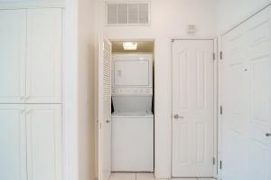 235 Market Laundry